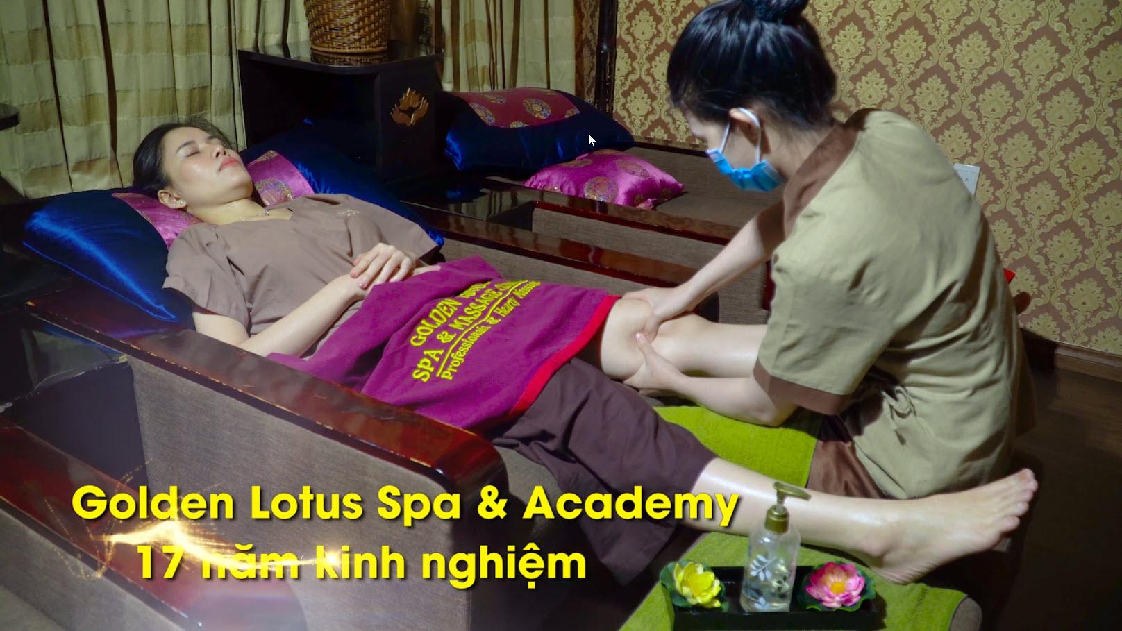 Massage chân bấm huyệt trị liệu